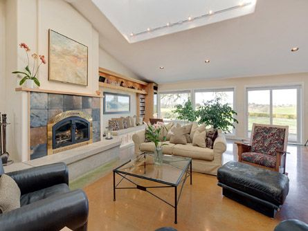 Great Room with Vaulted Ceilings and Fireplace
